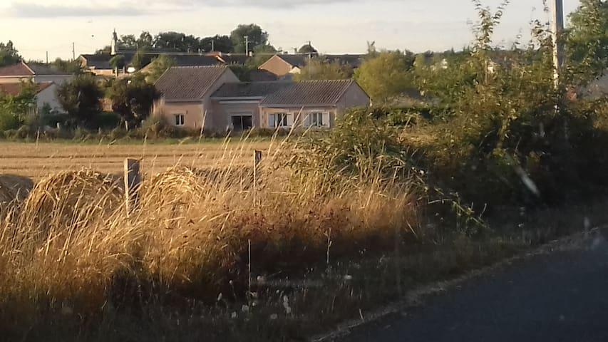 Petite maison à la campagne au calme