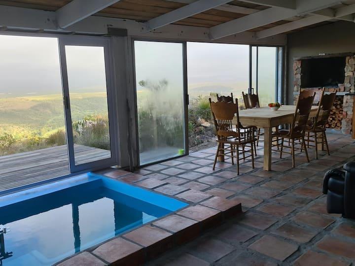 Avani Lodge - Parrastoel