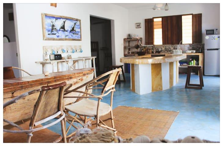 Open kitchen and dining room Village Villa Zanzibar - Paje