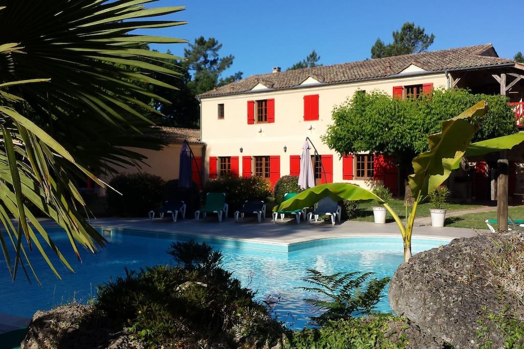 manoir 10 chambres piscine tennis villas louer. Black Bedroom Furniture Sets. Home Design Ideas