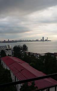 Апартаменты с видом на море - Batumi