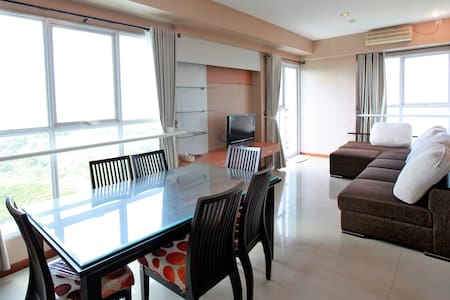 Marbella Dago 3BR Apartment - Amazing View!
