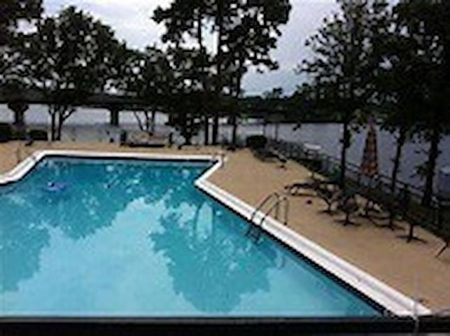 Condo on the lake in Quiet,Secure Gated Community