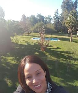 Parcela con piscina matrimonio jove - Chicureo, Región Metropolitana, CL - Casa