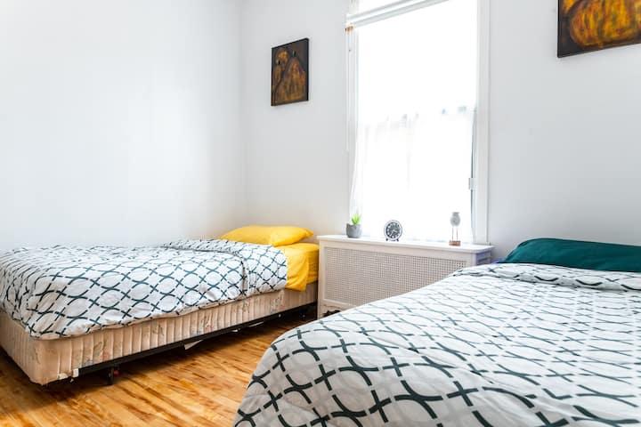 COSY bedroom | 25% off | Subway | 10 min DTOWN