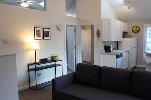 Cozy carriage house located downtown
