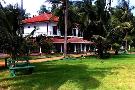 8 Bedroom Brand New Villa Kalpitiya - Kalpitiya
