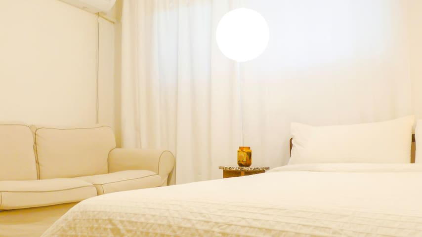 Best Location- Fully renovated 2BR in ♥ of Itaewon