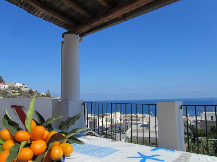 Isola di Lipari Lady Blu Canneto