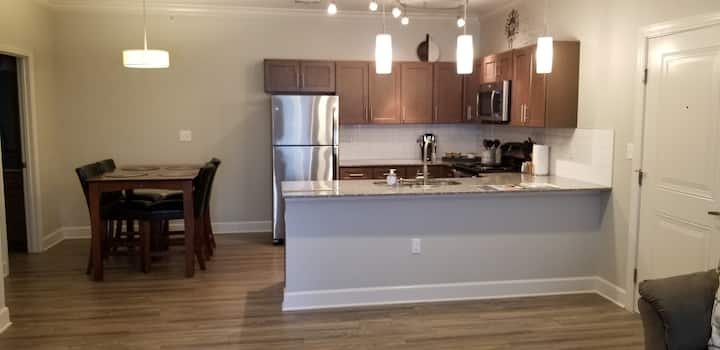 1-Bedroom Corporate Suite near Chenal on Kanis WLR