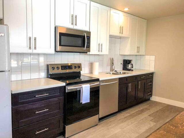 Beautiful Home 2216- Cherry Creek, DTC & Downtown