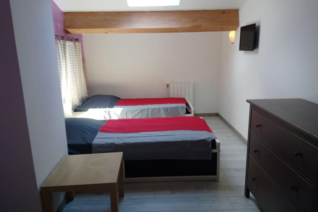Chambre 2 petits lits