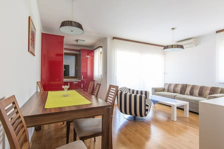 One Bedroom Apartment with Sea View - Okrug Donji