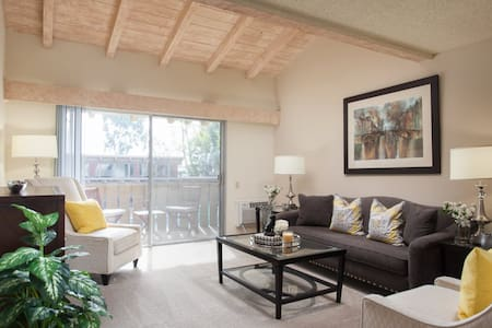 1BR With Multiple Pools at Community