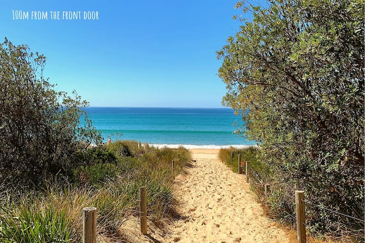 Merimbula Main Beach Manor: Sun, Sand and Siestas