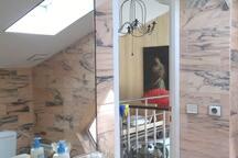 Salle de bain lumineuse