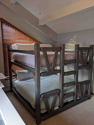 King over king bunk beds, brand new mattresses and sheets and pillows