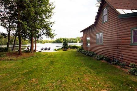 Spruce Lake Cabin - Salisbury - Cottage