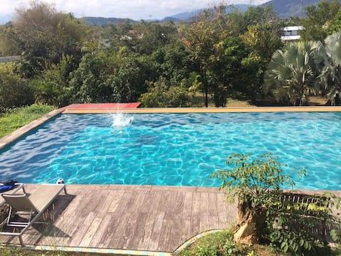 Utmerket bungalow i Ban Du-området hot springs park
