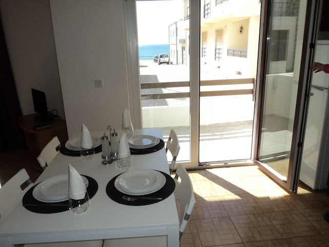 Apartment steps from the beach - Lourinhã