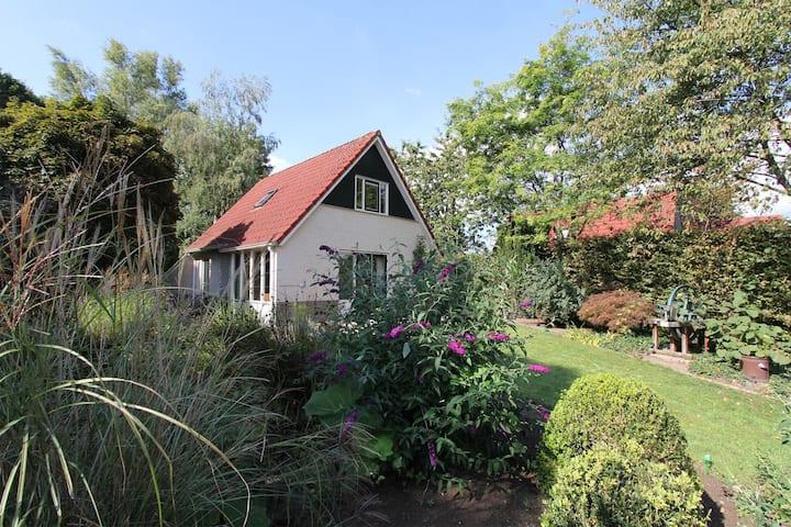 Groesbeek- vrijstaand huisje met sauna & uitzicht