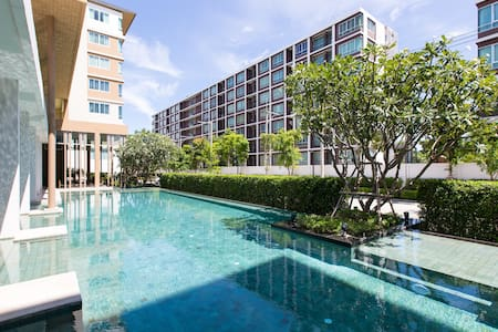 """"""" Relax and Have a Good Vacation Here""""  Sea view cozy 2 bedrooms on 8th floor for rent in Baan Koo Kiang condo by Sansiri. This location is easy to go to downtown and Khao Takiab, near Bangkok hospital, Market Village and Hua Hin famous night market."""