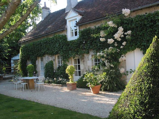 LE POT VERT .Orléans . Loire Valley - Saint-Jean-de-Braye - House