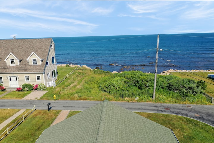 Ocean View, A/C, 1 Mile to Beach, Newly Renovated