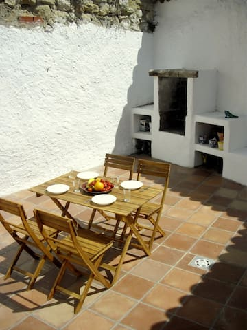 Quiet house in arab quarter, Alhama - Alhama - Dom
