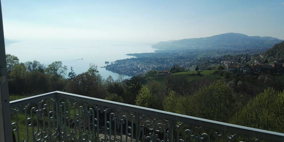 King & Queen, 2 Rooms, price of one - Glion - Bed & Breakfast
