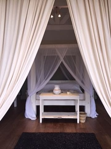 Studio Cottage B&B, near Pembroke & Gilgil Club - Gilgil - Bed & Breakfast