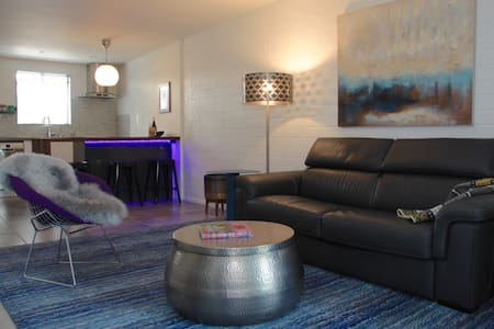 Modern Uptown Character in Old Town Scottsdale - Scottsdale - Wohnung