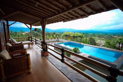 Bamboo villa in the top of the hill
