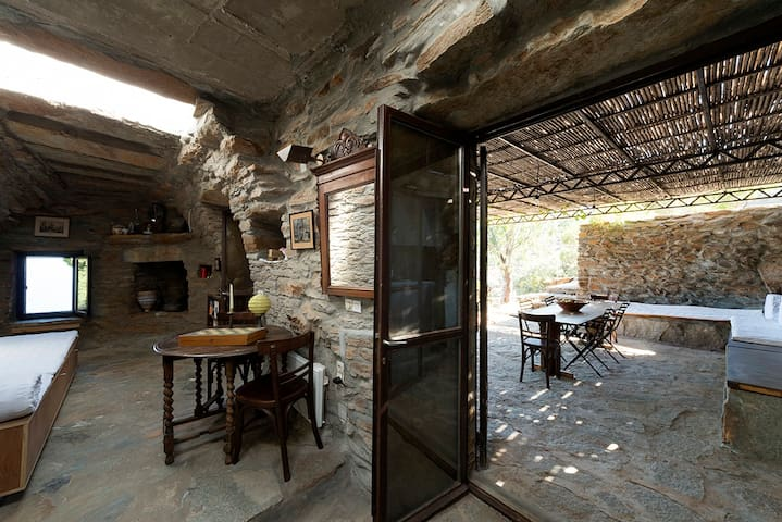 Kea Architect's The Haven stone cottage - Orkos - Villa