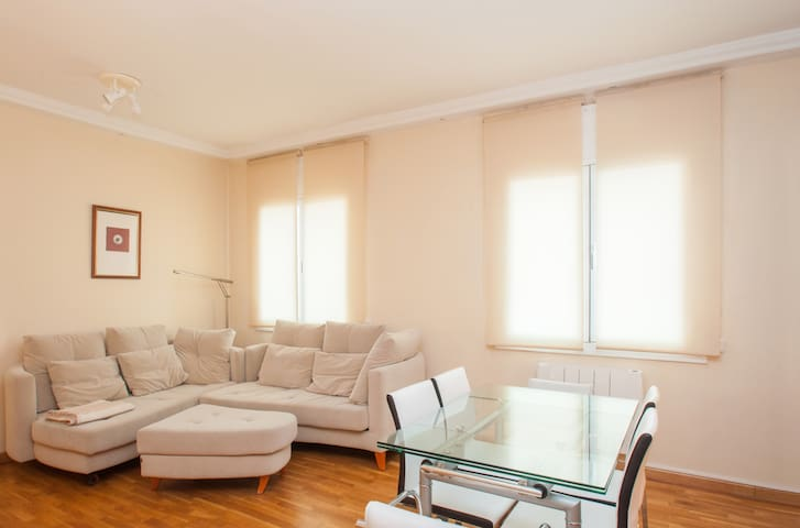 Very bright apartment - 2 bedrooms - Barcelona - Wohnung
