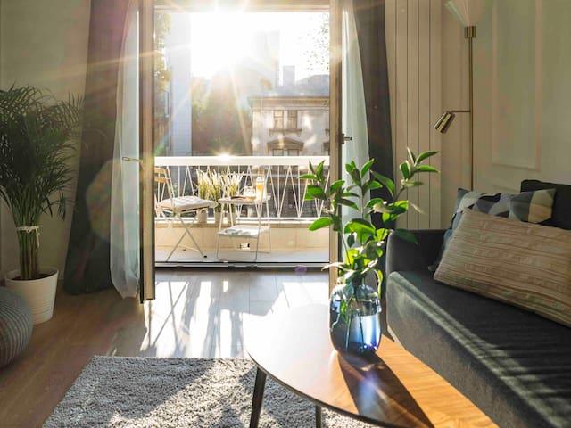 Bright Apartment | Top Location | City Balcony