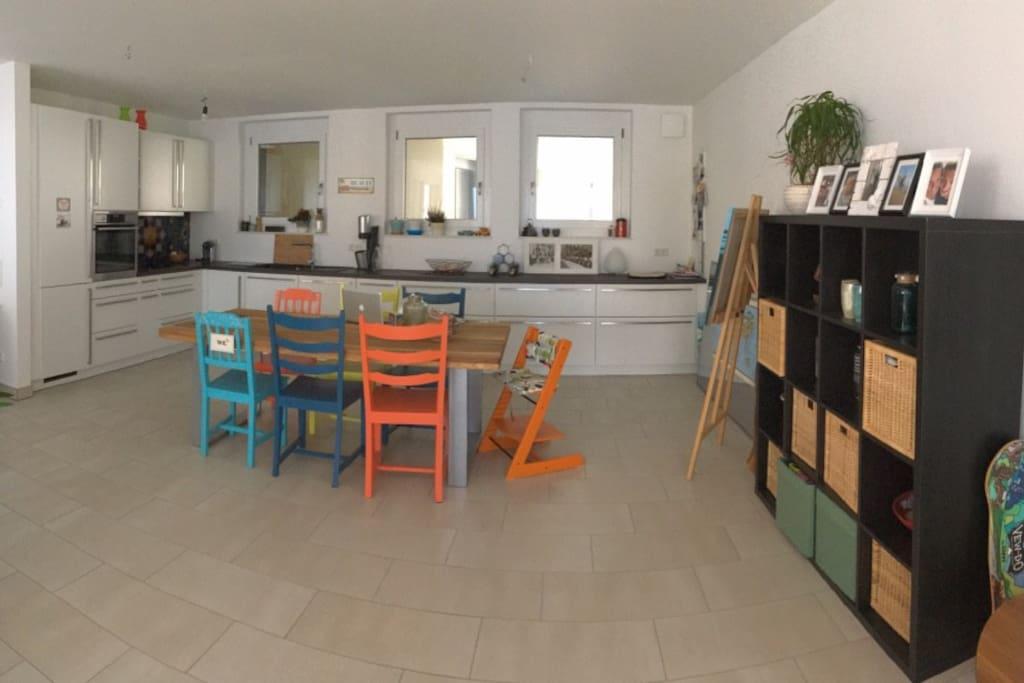 moderne wohnung im zentrum von offenburg wohnungen zur. Black Bedroom Furniture Sets. Home Design Ideas