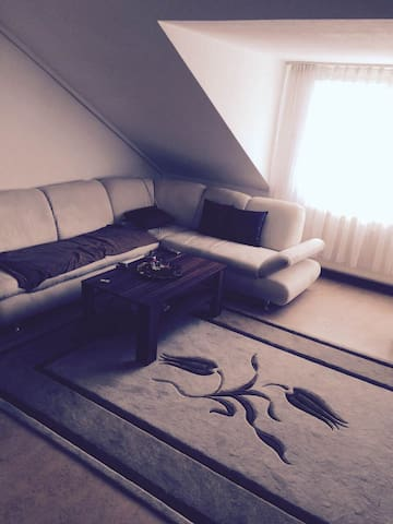 Ein WG-Zimmer 10 Min vom Zentrum St - Stuttgart