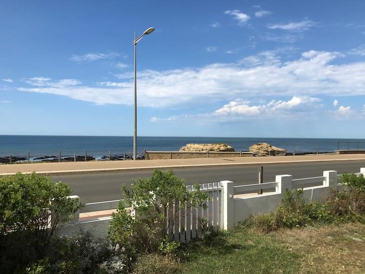 Villa Right by the Sea
