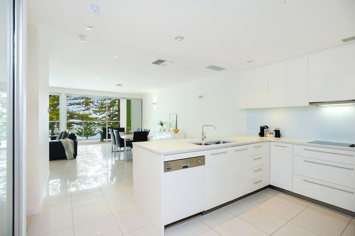 Luxury beachfront Penthouse apartment@ The Breeze