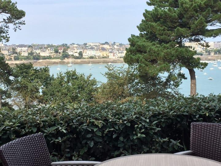 Dinard : appartement vue sur mer