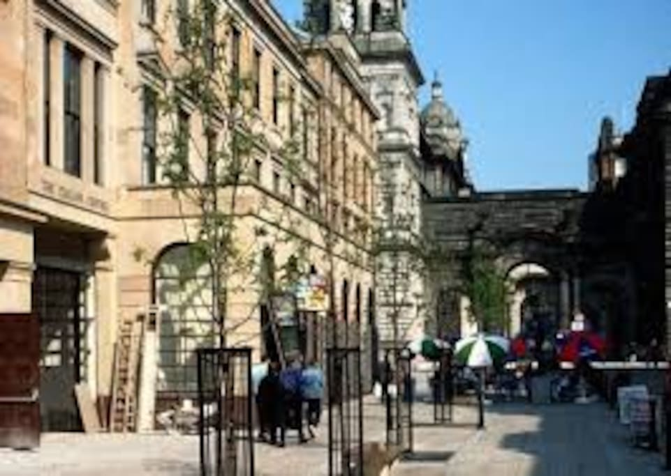 Spacious Luxury 1 Bed Flat in the heart of Glasgow's Merchant City District