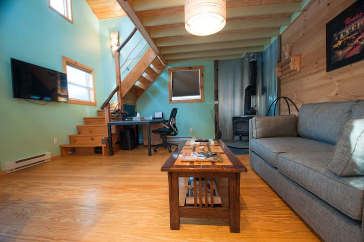 Adorable Loft House in the Heart of Keene