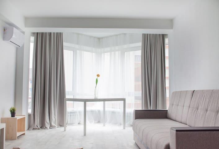 Солнечная квартира посуточно в ЖК Урожайный Адлер - Sochi - Apartment