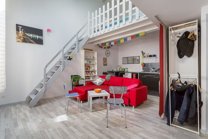Large 34m² studio apartment *Guillotière*