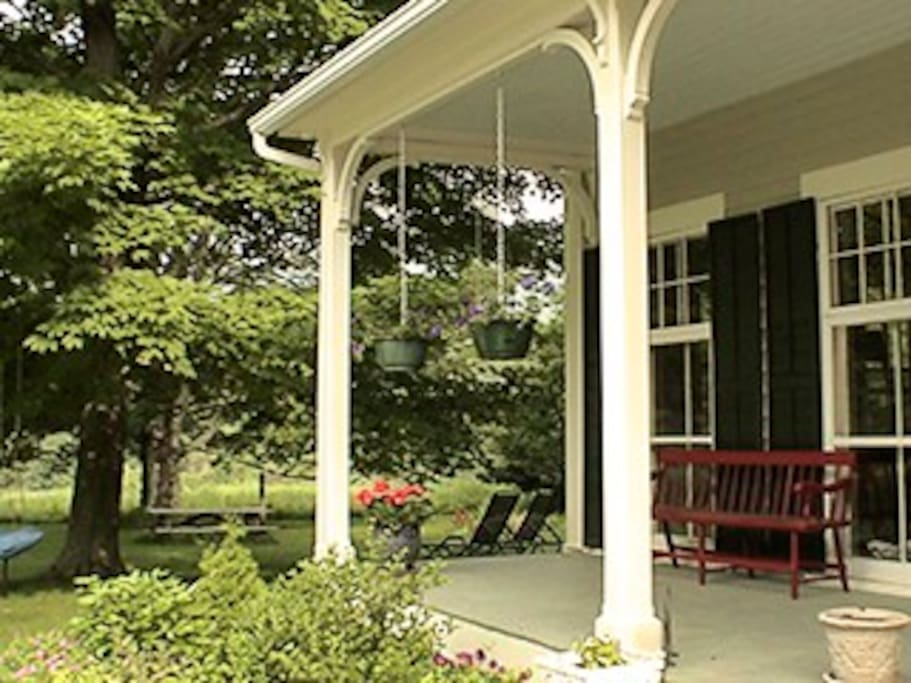Porch with view to side garden
