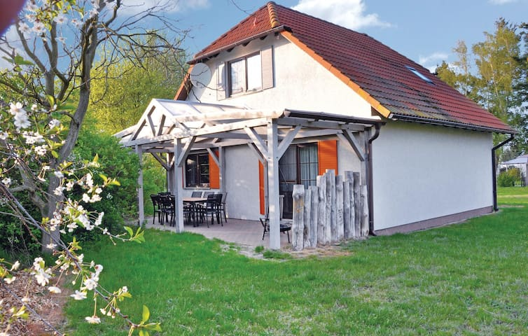 Holiday cottage with 3 bedrooms on 120m² in Fuhlendorf
