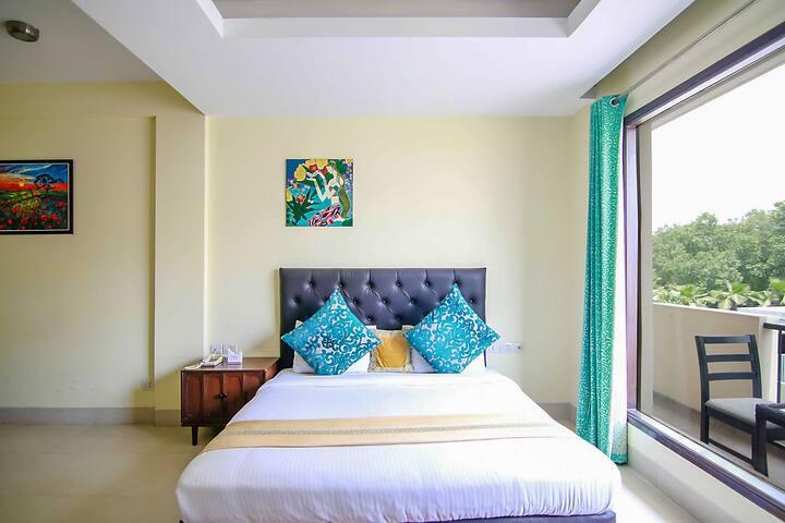 Private modern room with WIFI near HUDA, Gurgaon