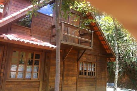 Chalé Vista da Montanha (Macacos)