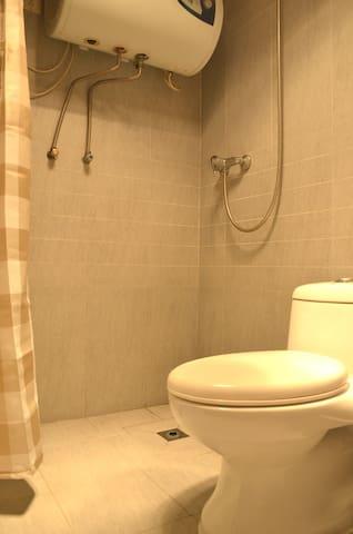我们认为卫生间的整齐干净,是最为体现小屋品质的地方。